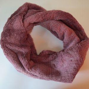 Mauve Pink Faux Fur Infinity Scarf